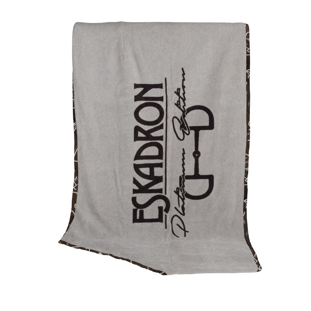Eskadron Platinum Decke Dralon Brand